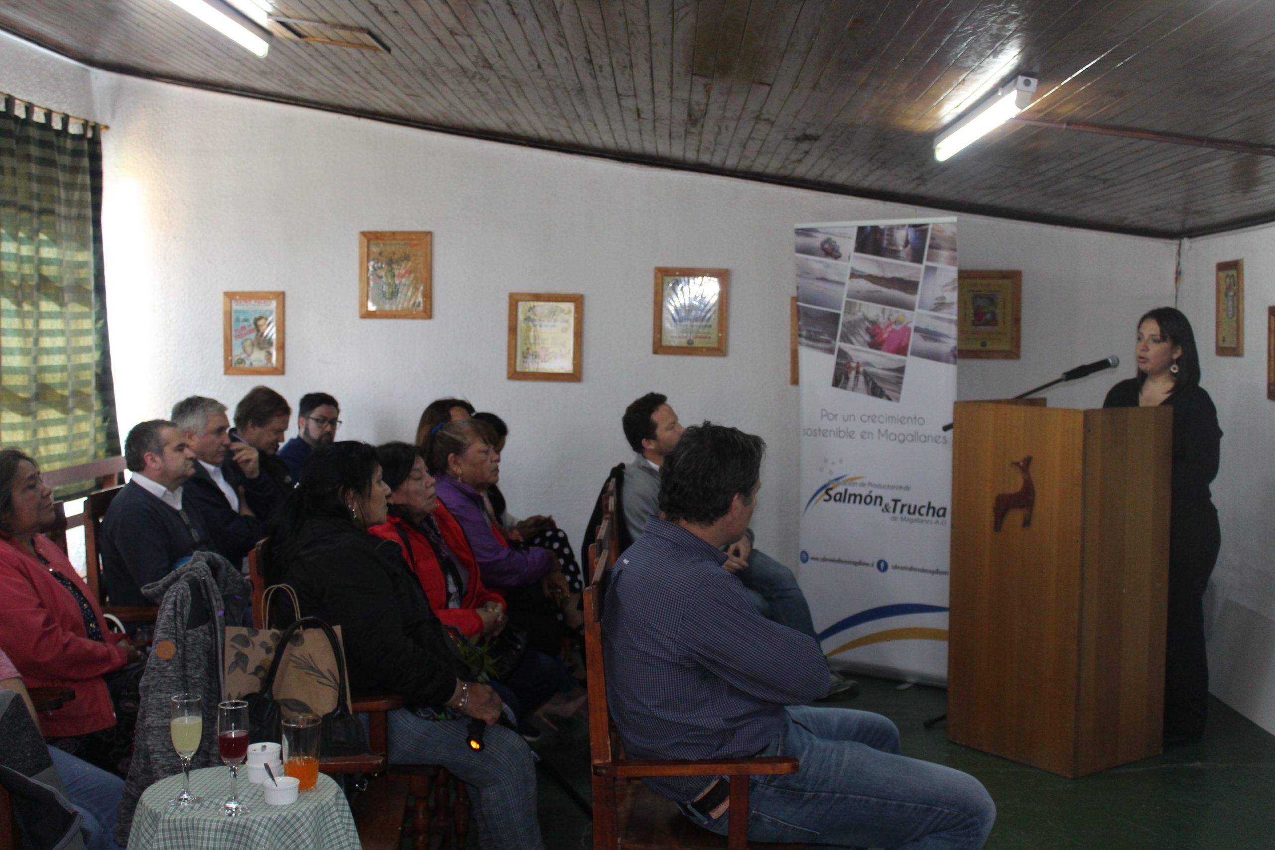 Asociación de Salmonicultores de Magallanes realizó exitoso Programa de Fondos Concursables dirigido a comunidades Kawésqar