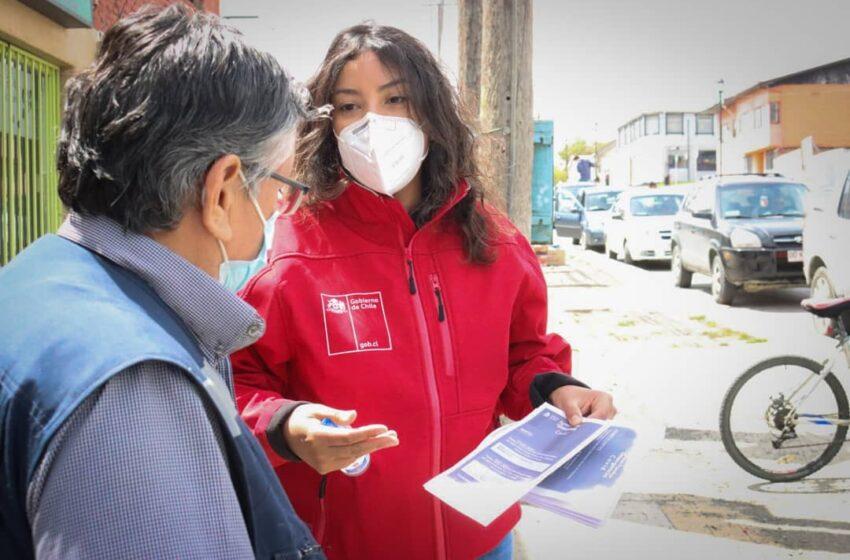 Gobernadora Ericka Farías realiza campaña de difusión del IFE Covid en las calles de Puerto Natales