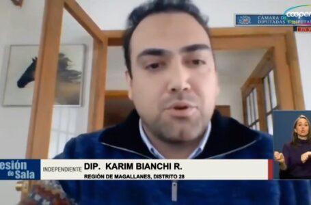 """EL DIPUTADO KARIM BIANCHI LLAMÓ A UNA UNIDAD REAL Y SINCERA PARA SUBSANAR CRISIS DE CAMIONEROS EN VILLA ANGOSTURA. """"SE REQUIERE CON URGENCIA UNA EMBARCACIÓN PARA CUBRIR CHILE POR CHILE""""."""