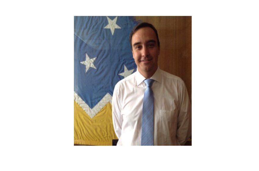 """Nuevo gobernador electo de Magallanes """"congelará» expansión de concesiones salmoneras en la Patagonia"""